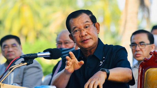 Ông Hun Sen bất ngờ nhắc chuyện suýt mất mạng vì tên lửa và người thân bị bắn chết: Ai đòi công lý cho tôi!