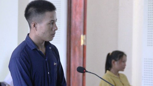 9 năm tù cho gã chồng dùng dao đâm vợ vì đòi ly hôn