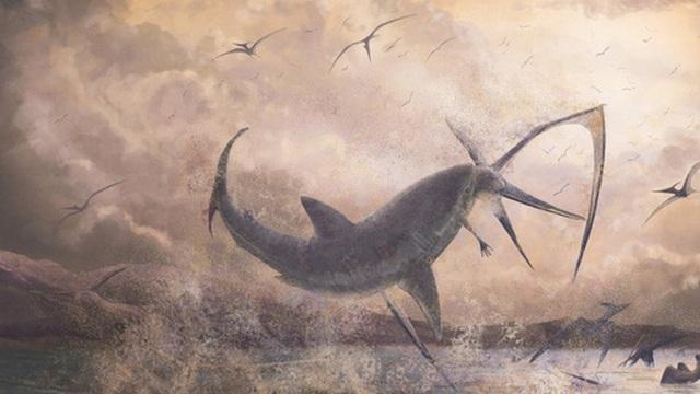 Bằng chứng khảo cổ cho thấy cá mập cổ đại đã phi lên khỏi mặt nước để tấn công thằn lằn bay