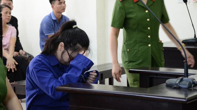 """Vụ yêu anh rể, mua trà sữa đầu độc chị họ ở Thái Bình: Bị cáo xin được làm lại cuộc đời, HĐXX khẳng định """"phải loại ra khỏi xã hội"""""""