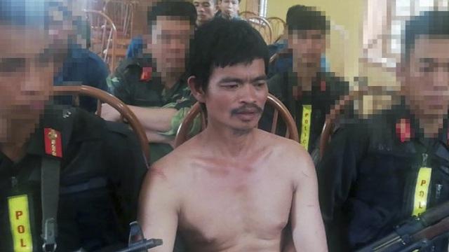 Người đàn ông sát hại hàng xóm rồi bỏ trốn lên rừng khai nghi ngờ mình bị bỏ bùa