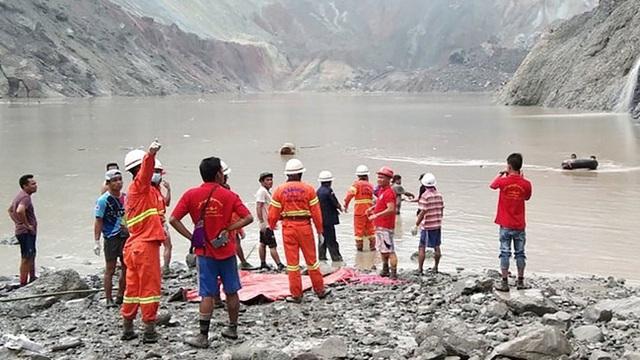 Hơn 100 người tử vong vụ sập mỏ ngọc bích ở Myanmar: Chỉ 1 phút, tất cả đã biến mất