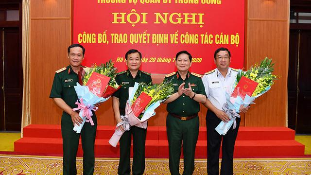Đại tướng Ngô Xuân Lịch trao quyết định bổ nhiệm Thứ trưởng Bộ Quốc phòng cho 3 Tư lệnh
