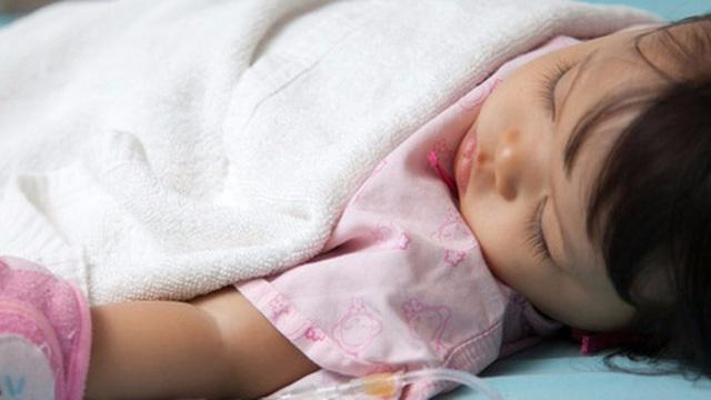 Gia tăng tiêu chảy ở trẻ: Bác sĩ Nhi khoa cảnh báo 3 điểm cha mẹ cần đặc biệt chú ý