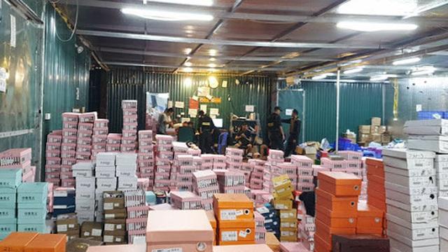 """Tổng kho hàng lậu Lào Cai: Có ghi chép chi phí """"luật lá"""" 20 triệu đồng/tháng"""
