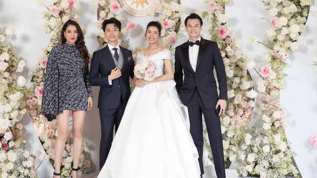 Loạt sao hạng A xuất hiện tại đám cưới á hậu Thúy Vân