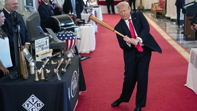 """Tỷ lệ việc làm ở Mỹ lại tăng: Trump """"đổi vận"""", Biden chưa thể vội mừng"""