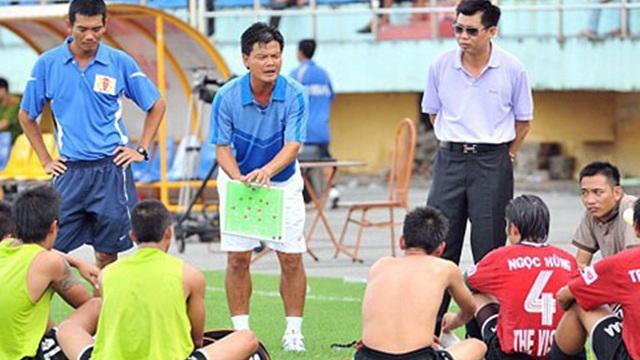 """[Hồi ức] V.League choáng ngợp vì màn bạo chi sau cơn giận """"tím mặt"""" của đại gia Ninh Bình"""