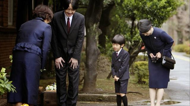 Người Nhật dựa vào đâu nhận được nhiều giải Nobel nhất Châu Á? 4 điều gia quy của các bà mẹ Nhật Bản xứng đáng để chúng ta học tập
