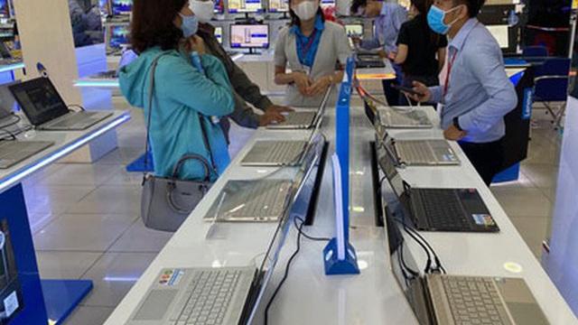 Laptop ế vẫn tăng giá