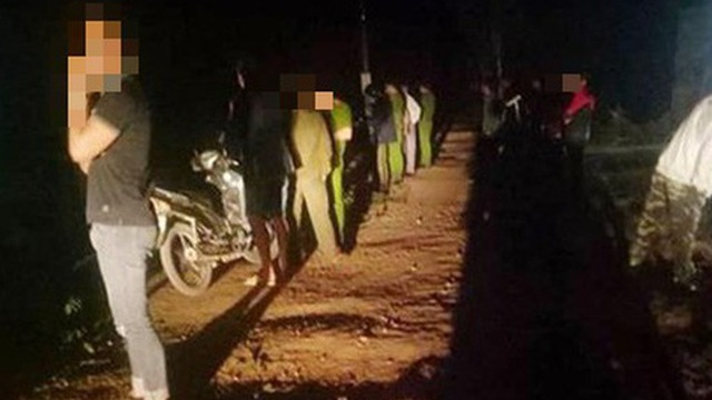 2 nhóm thanh niên cùng thôn đánh nhau, 1 người chết