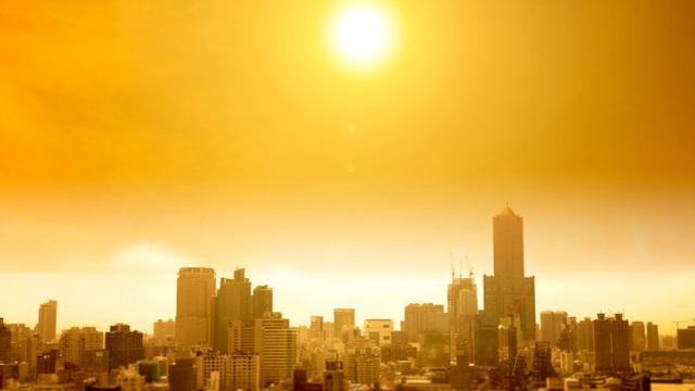 Tại sao nội - ngoại thành buổi tối có thể lệch tới 12 độ C? Làm gì để giảm nóng?