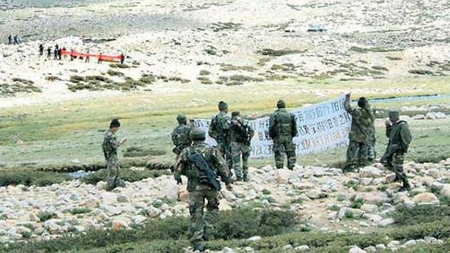Thách thức băng giá: Binh sĩ TQ ở vùng tranh chấp với Ấn Độ đang gặp nguy vì... nước lũ?