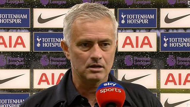 Tottenham thắng trận, HLV Mourinho phấn khích khi học trò... cãi nhau