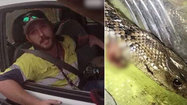 Người đàn ông may mắn thoát chết khi đang lái xe với tốc độ cao thì phát hiện rắn độc quấn vào chân