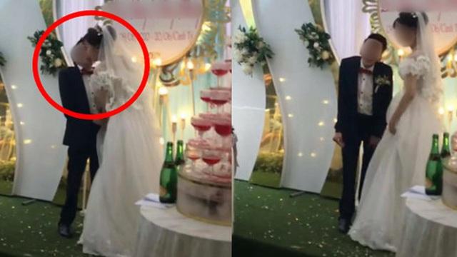 """Cảnh hôn trên sân khấu đám cưới được share rầm rộ MXH: Hành động """"xấu hổ"""" sau đó của chú rể lại khiến dân tình hưởng ứng rần rần"""