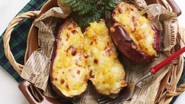 Khoai lang nướng là món xưa như Trái Đất mà đem biến tấu một chút theo kiểu Hàn thì ngon hơn vạn lần!
