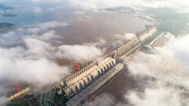 """Trung Quốc ngăn lũ: Kế hoạch hoành tráng ở Bắc Kinh, địa phương thực hiện kiểu """"treo đầu dê""""?"""