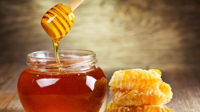 Chuyên gia ĐH Oxford: Mật ong chữa ho, cảm lạnh tốt hơn thuốc không kê đơn mà không có tác dụng phụ