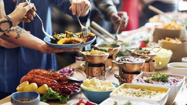 Những bí mật bất ngờ trong nhà hàng buffet đến chính nhân viên cũng không dám tiết lộ