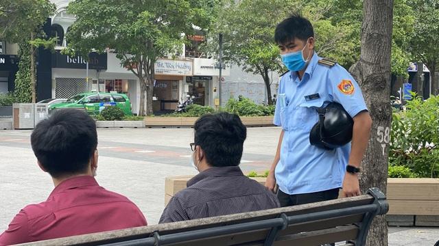 Xử phạt nghìn người không đeo khẩu trang nơi công cộng