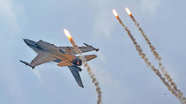 Không chiến với trí tuệ nhân tạo, phi công F-16 của Mỹ thua trắng 5 hiệp