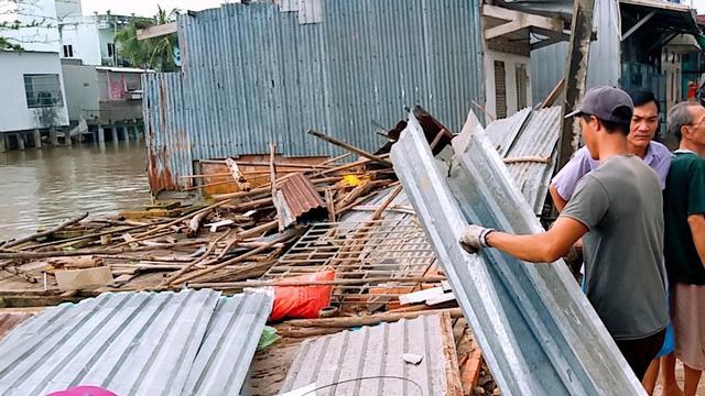 Ảnh hưởng bão số 2 hơn 100 căn nhà sập, tốc mái ở Cà Mau