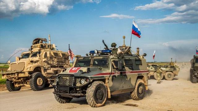 Liều lĩnh húc đầu xe quân sự Nga ở Syria: Mỹ đã rất may mắn