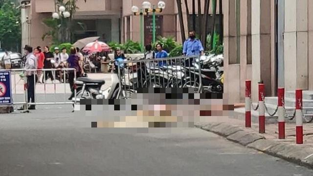 Hà Nội: Bé gái rơi từ tầng cao chung cư xuống đất tử vong thương tâm