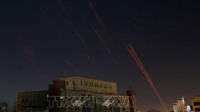 Liên quân Arab phá hủy thiết bị bay không người lái và tàu chở thuốc nổ xuất phát từ Yemen