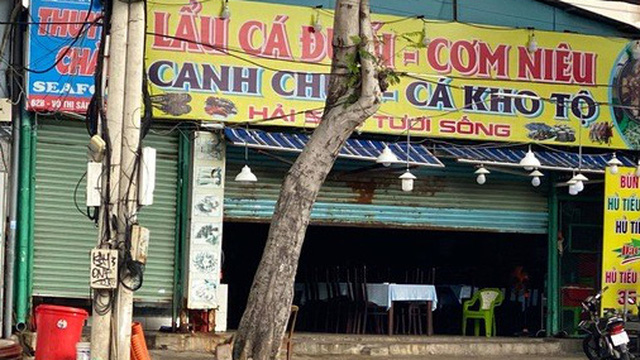 Đội trưởng CLB TP HCM tố chặt chém, quán Thuyền Chài bị ngừng kinh doanh