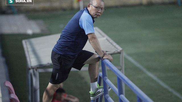 HLV Park Hang-seo gặp khó vì Covid-19