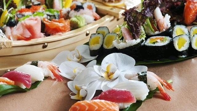 """Bí mật bất ngờ đằng sau những bữa tiệc """"sushi khỏa thân"""" đầy phấn khích và sức hút"""