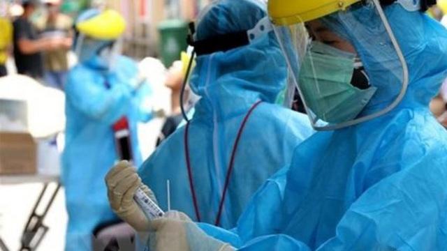 """BS Trương Hữu Khanh:  Xét nghiệm """"vàng"""" để chẩn đoán COVID-19 là xét nghiệm PCR"""