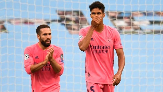 """Lập cú đúp """"kiến tạo"""" cho đối thủ, nhà vô địch World Cup khiến Real tan nát dưới chân Man City"""