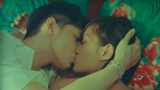 Noo Phước Thịnh khóa môi bạn diễn đầy ngọt ngào