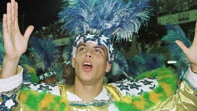 Ronaldo 'béo' hé lộ từng bị CLB Real thuê riêng người giám sát để ngăn không cho tiệc tùng nhưng kết quả lại giúp anh có thêm 'bạn nhậu'