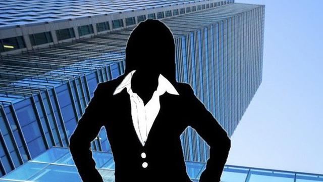 """Ai """"hậu thuẫn"""" cho nữ đại gia 26 tuổi Đào Ngọc Bảo Phương rót 7.600 tỷ vào Bến Thành Holdings?"""