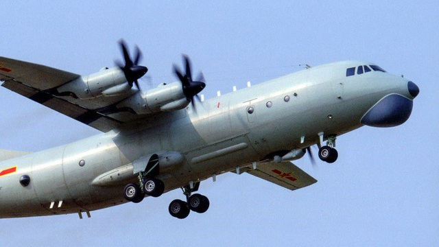 """Thứ trưởng Mỹ tới thăm Đài Loan: PLA liên tục """"nhắc nhở"""", điều máy bay, tàu chiến áp sát"""