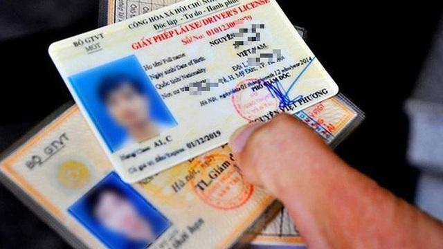 Chính phủ đồng ý với đề xuất giấy phép lái xe được cấp 12 điểm mỗi năm, nếu bị trừ hết phải thi lại