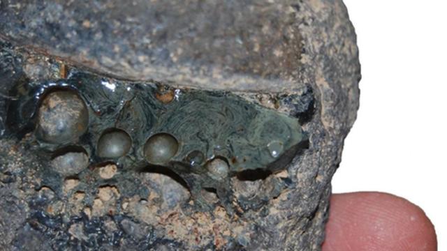Từ 1.000 năm trước, thợ rèn Ba Tư cổ đại đã tạo ra phiên bản đầu tiên của 'thép không gỉ'