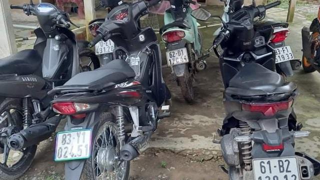 Lần theo định vị, công an phát hiện 7 xe máy nghi trộm cắp tại căn nhà sát biên giới ở Long An
