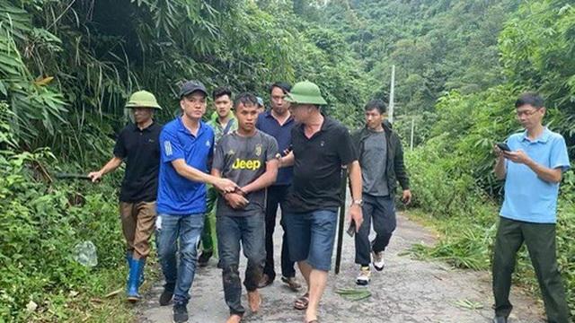 200 công an, biên phòng vây bắt kẻ ném 20 bánh heroin bỏ trốn vào rừng
