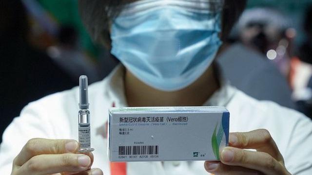 Nikkei: Trung Quốc tham vọng gì khi tiêm vắc xin Covid-19 cho 350.000 người?