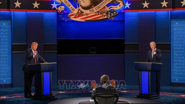 Điều phối viên hứng 'bão chỉ trích' vì để mất kiểm soát cuộc tranh luận đầu tiên giữa hai ứng viên Trump-Biden