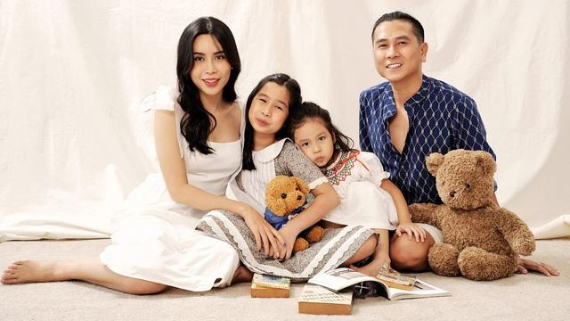 Hình ảnh hạnh phúc của Lưu Hương Giang - Hồ Hoài Anh bên 2 con gái