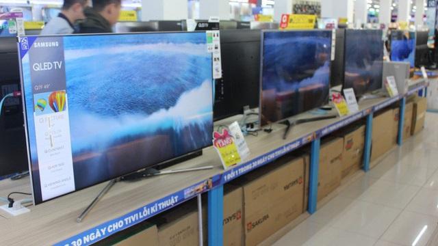 """9 mẫu tivi 4K sang mịn, màn hình """"khủng"""" chợt rẻ hiếm thấy, nhiều chiếc """"bay"""" 20- 40 triệu đồng"""