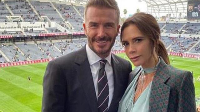 Báo Anh đưa tin vợ chồng David Beckham nhiễm COVID-19 do dự tiệc từ tháng 3, kéo theo 2 nhân viên đi cùng dương tính