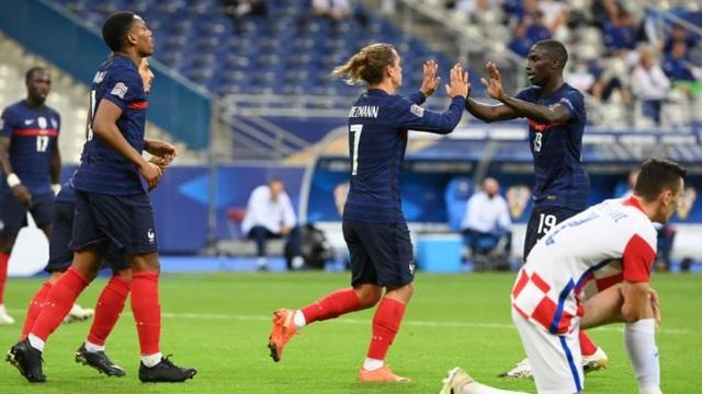 """Lấy công bù thủ, Pháp """"gieo sầu"""" cho Croatia trong bữa tiệc bàn thắng"""