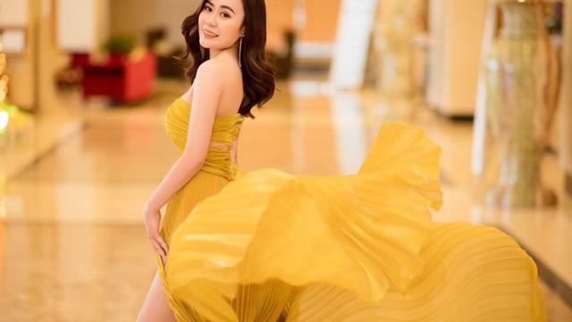 Diễn viên Phan Kim Oanh ngày càng xinh đẹp, nuột nà